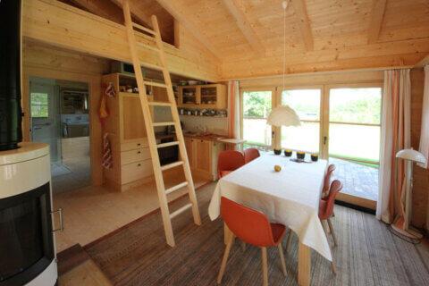 Fritidshus i 16 cm fyrkantstimmer Toalett Allrum med sovloft
